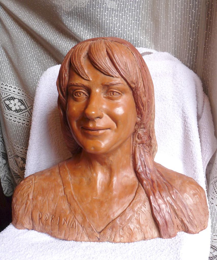 busto di donna in terracotta