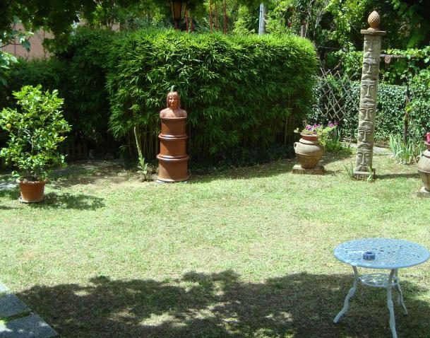 busto in terracotta munumento per giardino