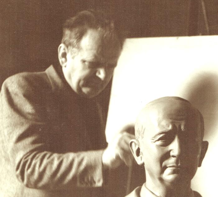 Guglielmo Marconi Ritratto dallo Scultore Bolognese Prof. Cesarino Vincenzi