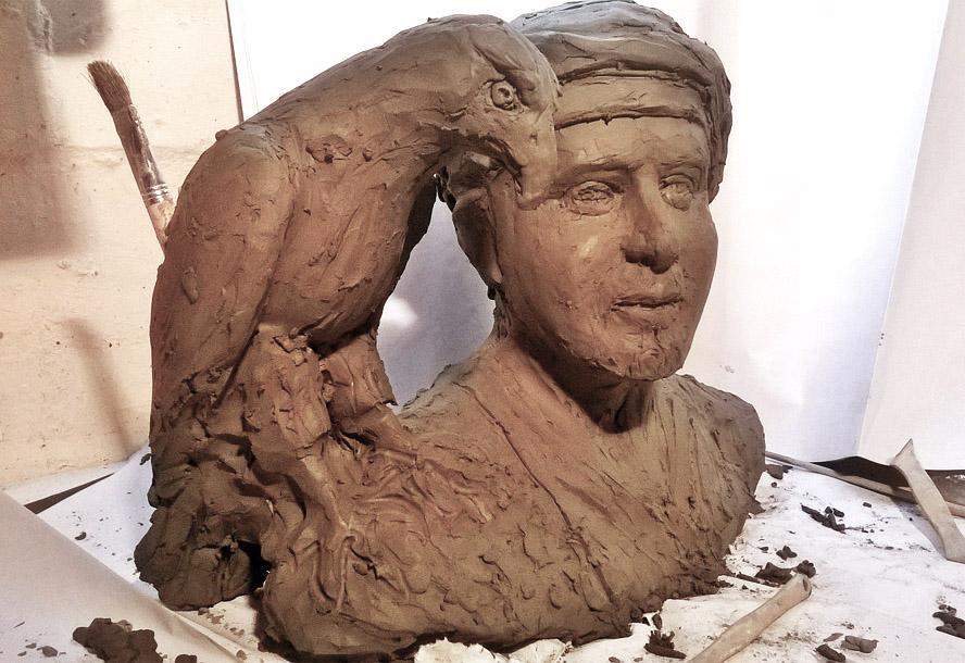 scultura busto abbozzo argilla